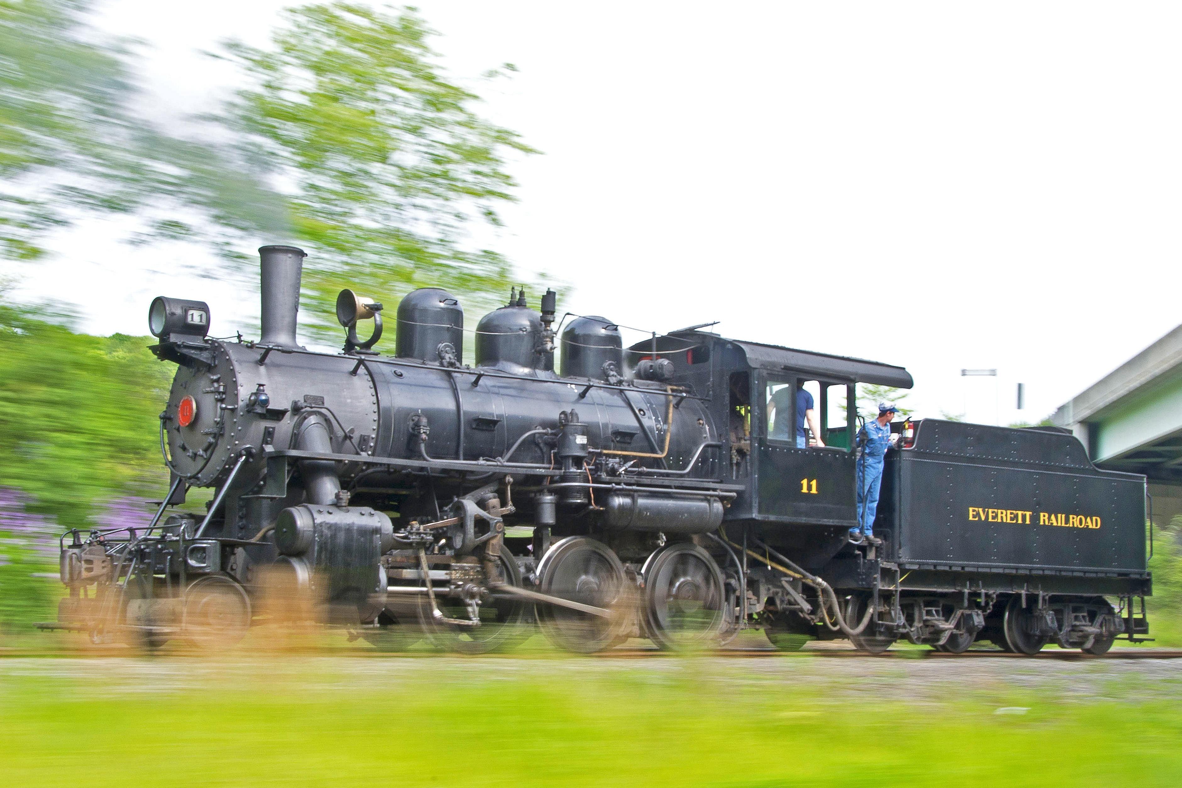 Everett Locomotive No. 11 chugging down the line
